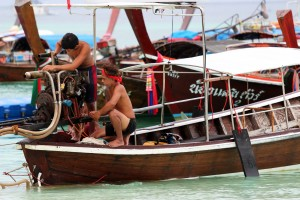 THAI Koh Lipe 14  boatmen
