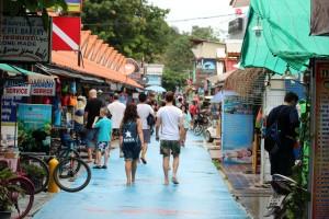 THAI Koh Lipe 14  Walking Street