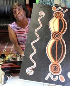 AUS Eumundi 15 Market Aboriginal artist.small