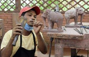 Cambodia 16 S Reap Artisans d'Angkor artisan 2 copy