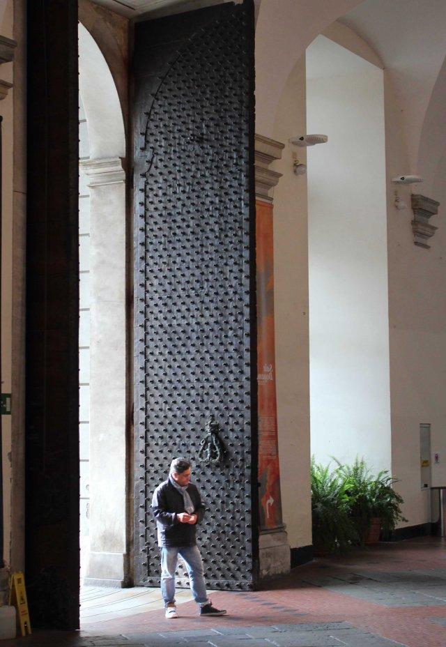 1. Genova 17 Palazzo Ducale door 2