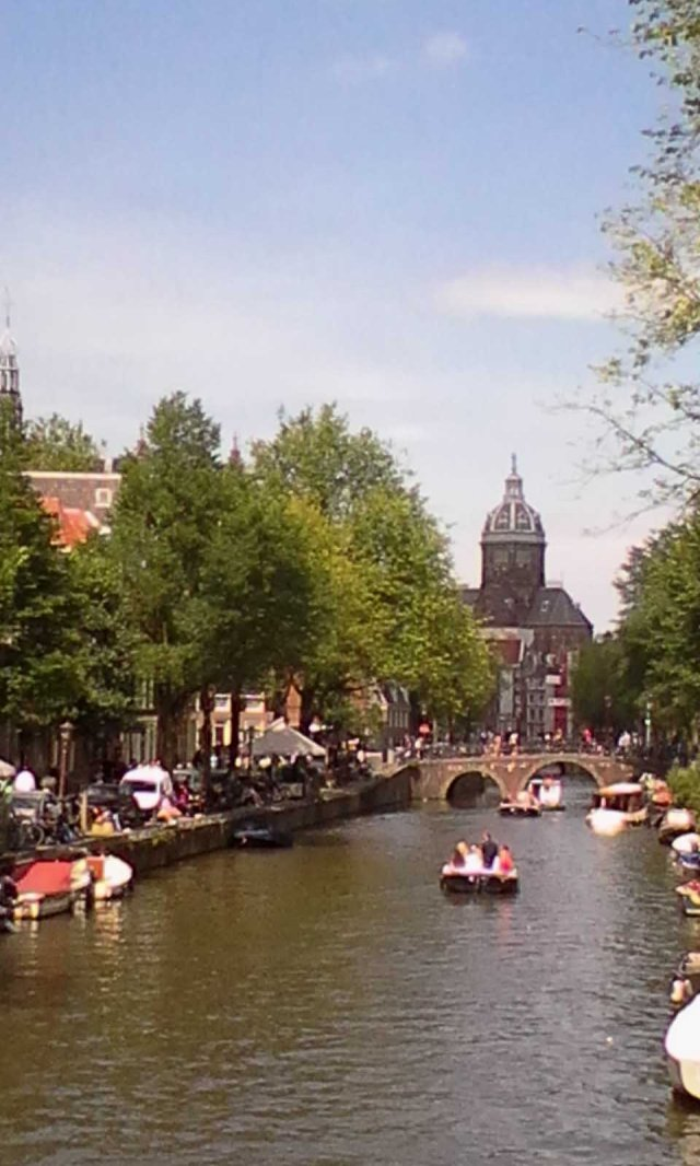 NED Amsterdam Canal