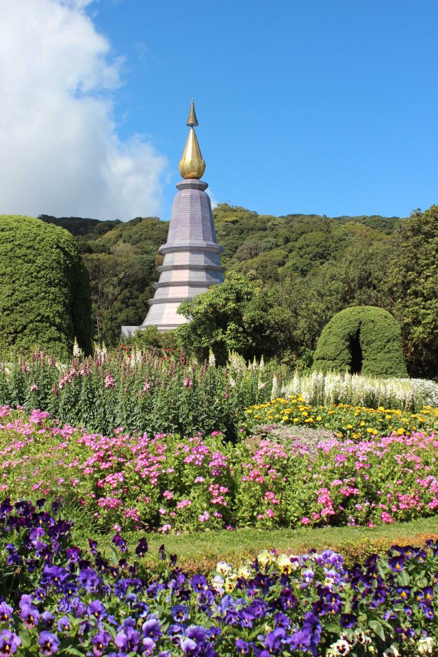 THAI CNX Doi Inthanon Queens stupa and garden copy