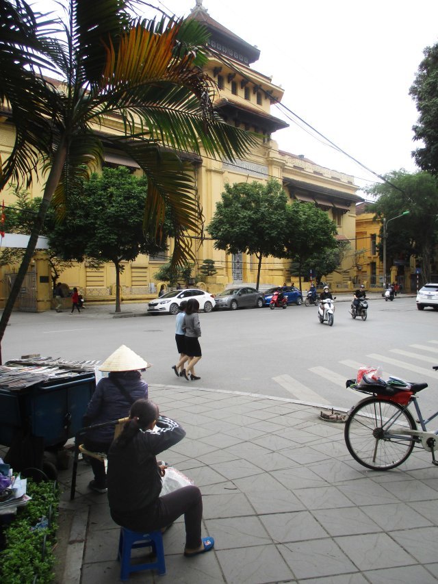 VNM Hanoi Hat and govt bldg