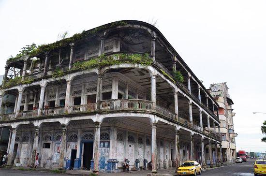 Colon Ruined hotel copy