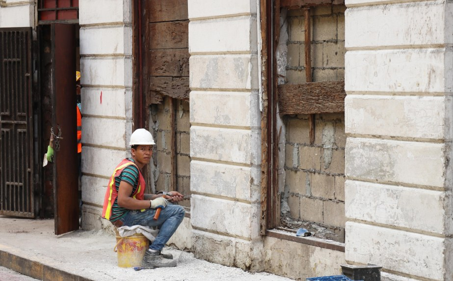 Restoration Calle 8